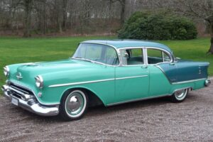 Oldsmobile Ninety Eight -54